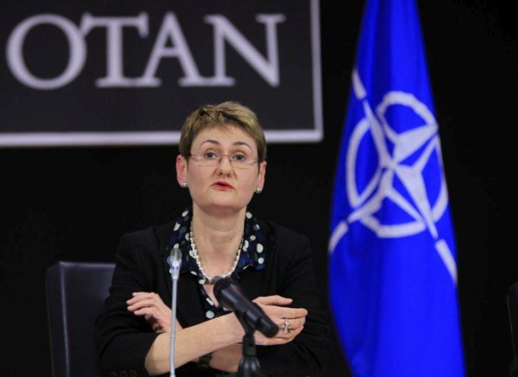 Η εκπρόσωπος του NATO Οάνα Λουντζέσκου (φωτ.;EPA/OLIVIER HOSLET)