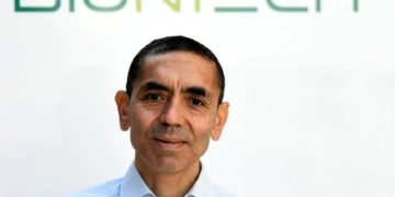 Ο επικεφαλής της BioNTech Ουγκούρ Σαχίν (φωτ. αρχείου: REUTERS/Fabian Bimmer)
