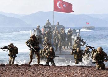 Τούρκοι κομάντο στην άσκηση «Θαλασσόλυκος 2021» (φωτ.: Twitter / Mete Sohtaoğlu)