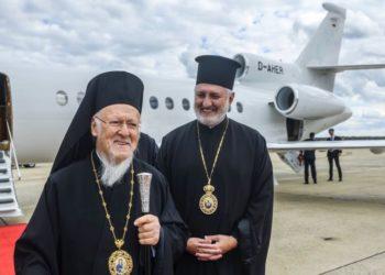 Η άφιξη του Οικουμενικού Πατριάρχη Βαρθολομαίου στην αεροπορική βάση Andrews στις ΗΠΑ(Φωτ.: Twitter / Elpidophoros)