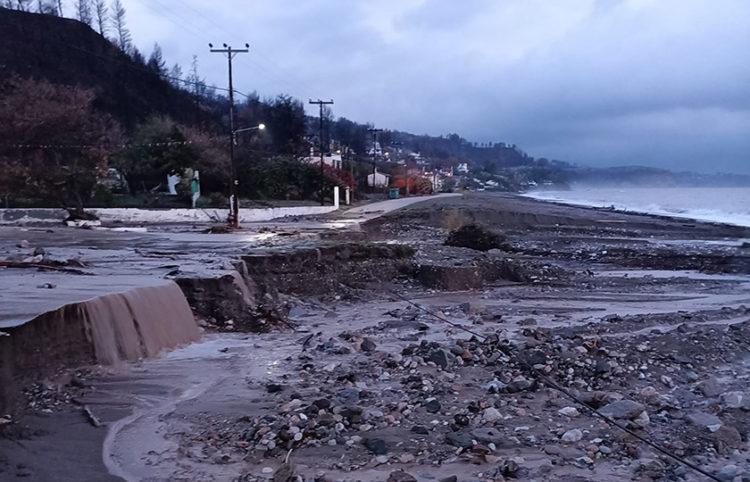 Παραλία Αχλαδίου (φωτ.: Facebook / Γιώργος Τσαπουρνιώτης)